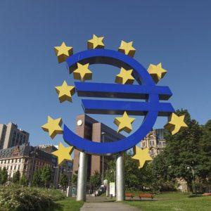 Banky v eurozóně budou muset navýšit rezervy na ztrátové úvěry