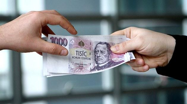 Nová legislativa nedovoluje přežít pochybným poskytovatelům půjček