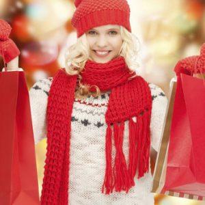 Češi kupují dárky. Před Vánoci si půjčují o desetinu více peněz než jindy