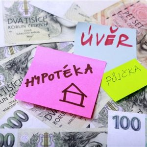 Banky dál přitvrdí při schvalování hypoték a nově i ve spotřebitelských půjčkách. Úvěry pro firmy nezpřísní