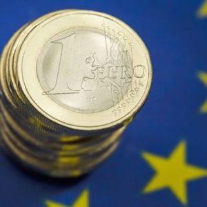 Peníze skoro zadarmo. Euro slibuje superlevné půjčky