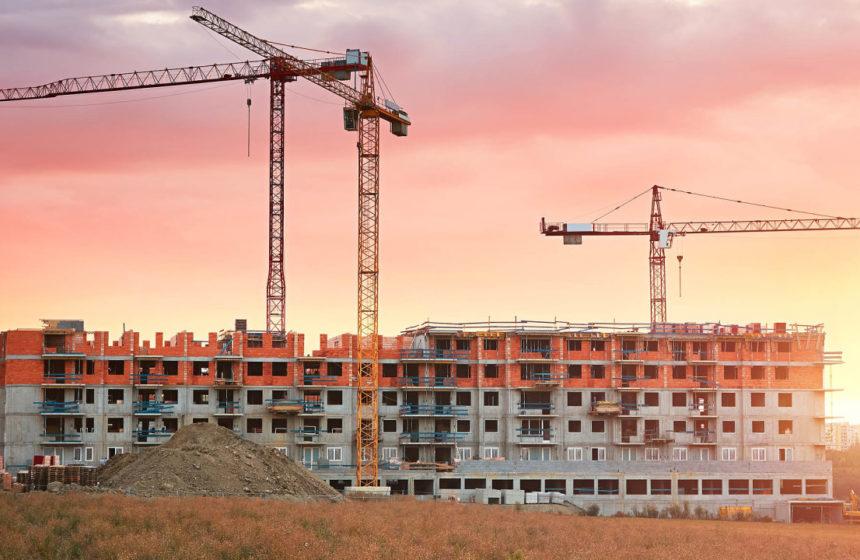 Přes sto tisíc lidí si letos může vyjednat lepší sazbu hypotéky
